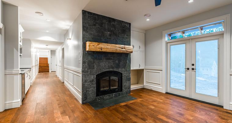 2847 Ashcraft Basement Livingroom 2.jpg