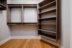 574 Avalon - Closet