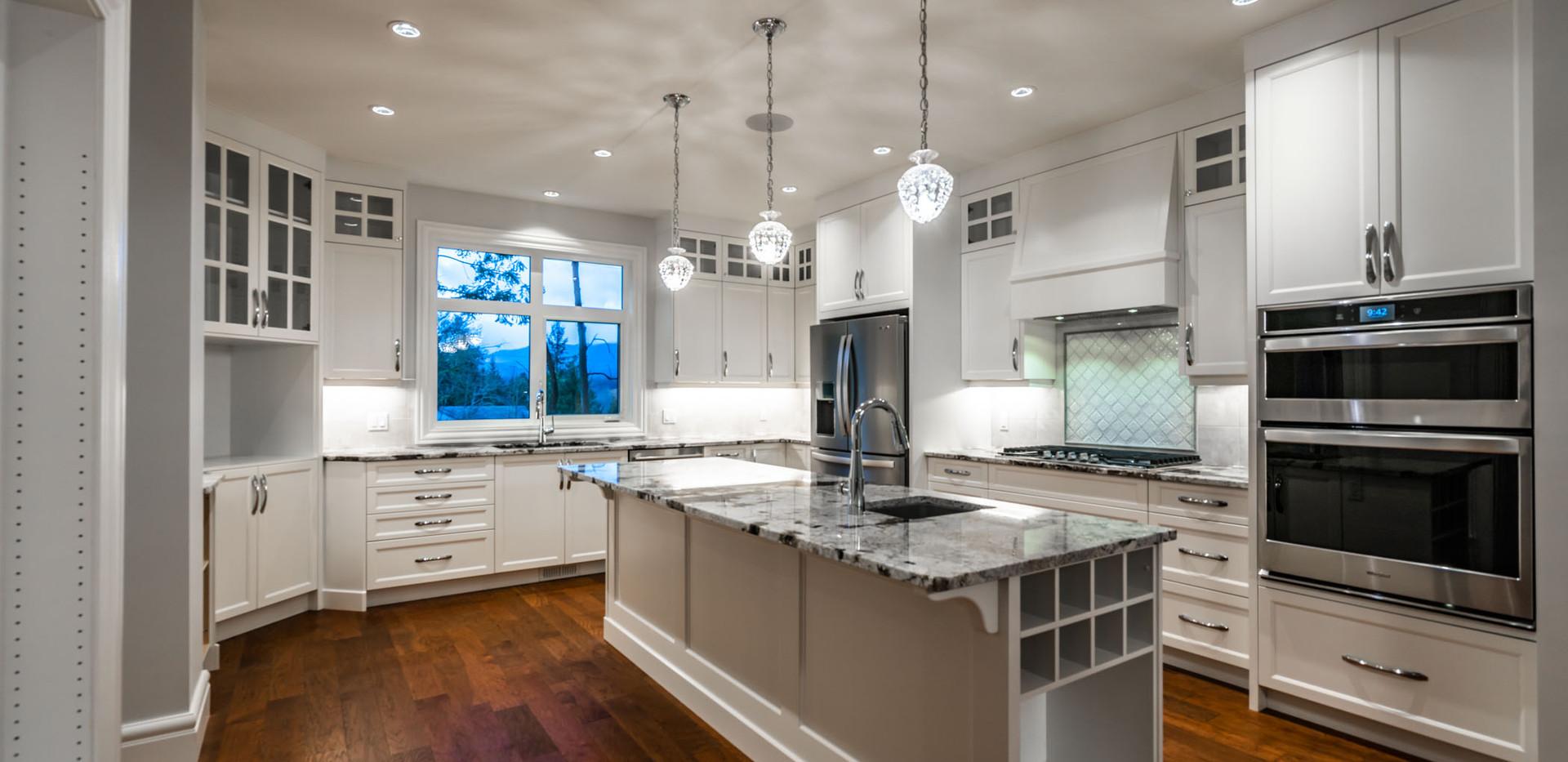 2847 Ashcraft Main House Kitchen