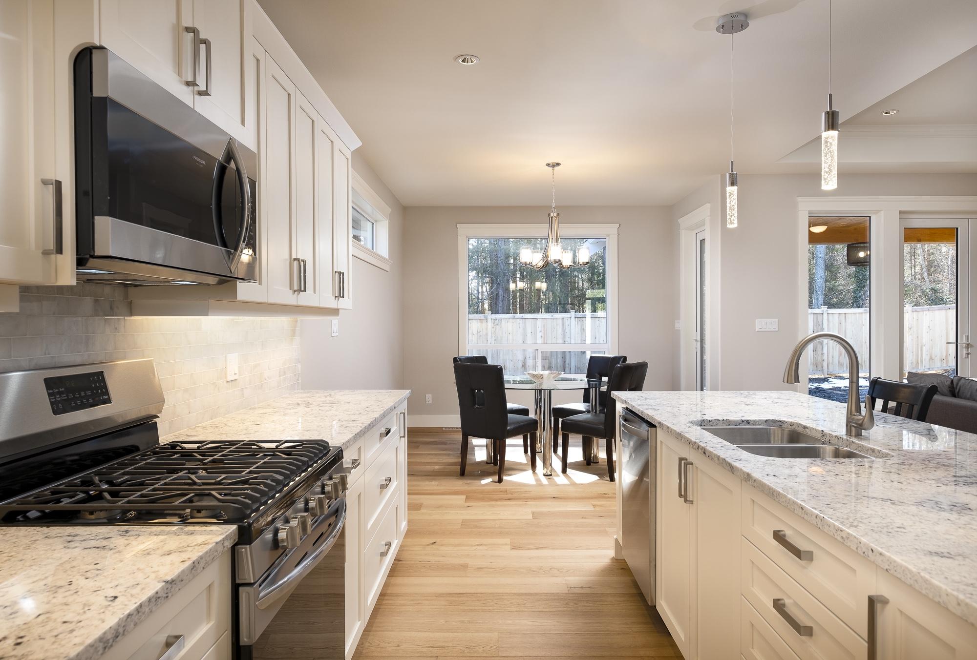 574 Avalon - Kitchen1