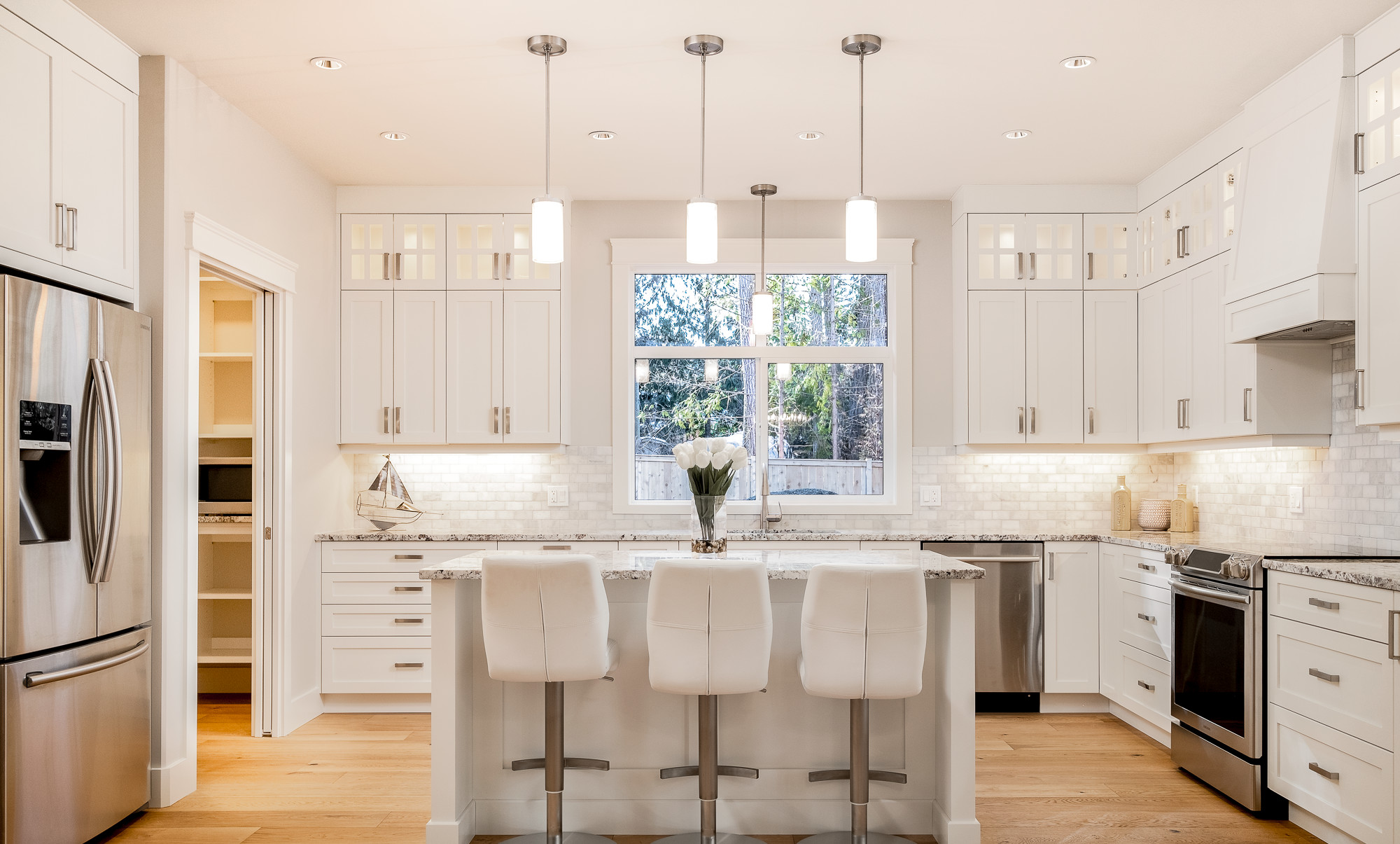 1085 Symons Cres - Kitchen1