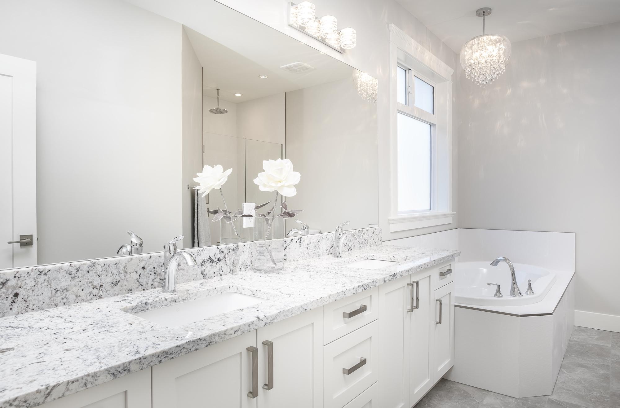 574 Avalon - Bathroom1