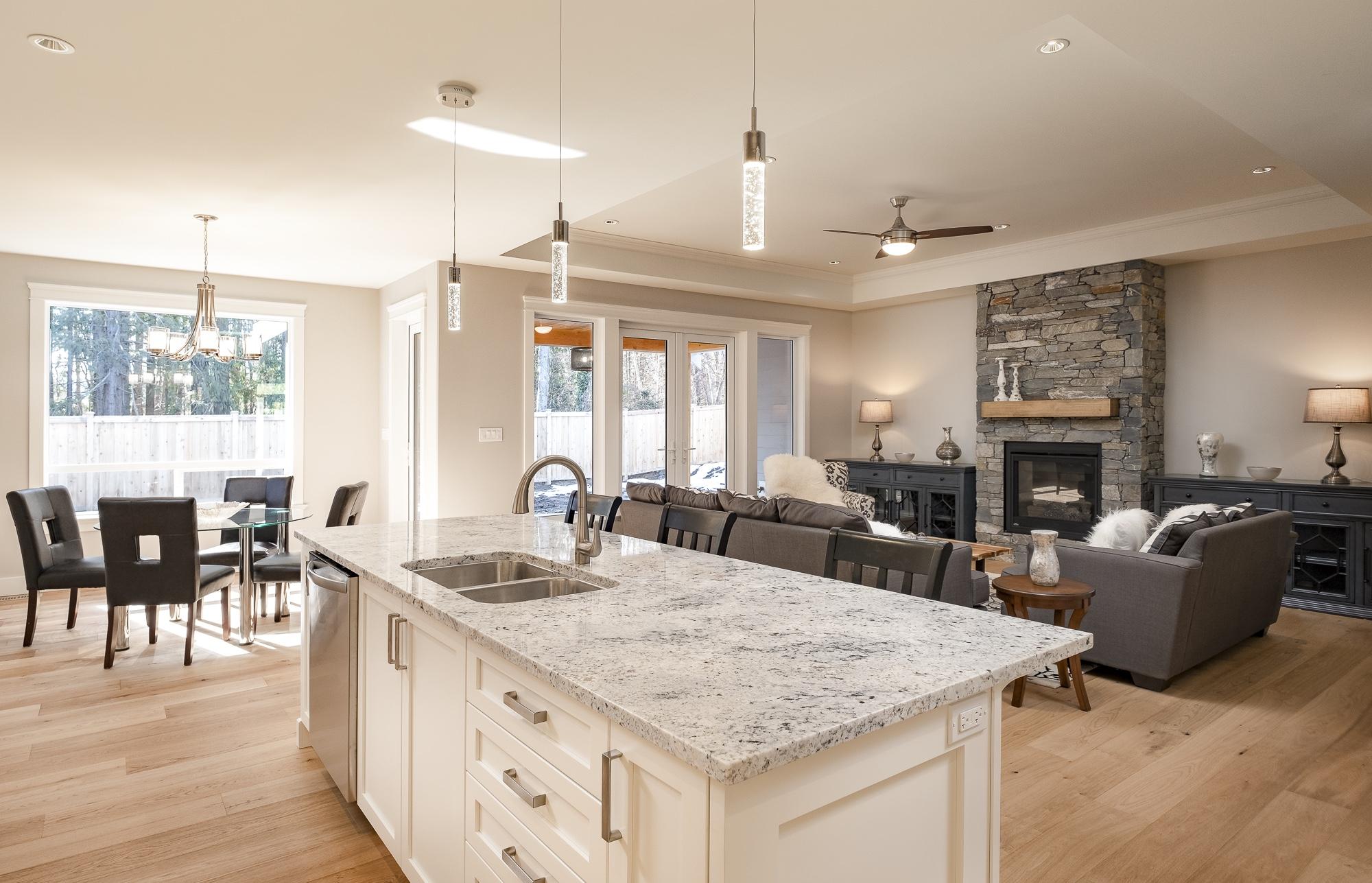 574 Avalon - Kitchen3
