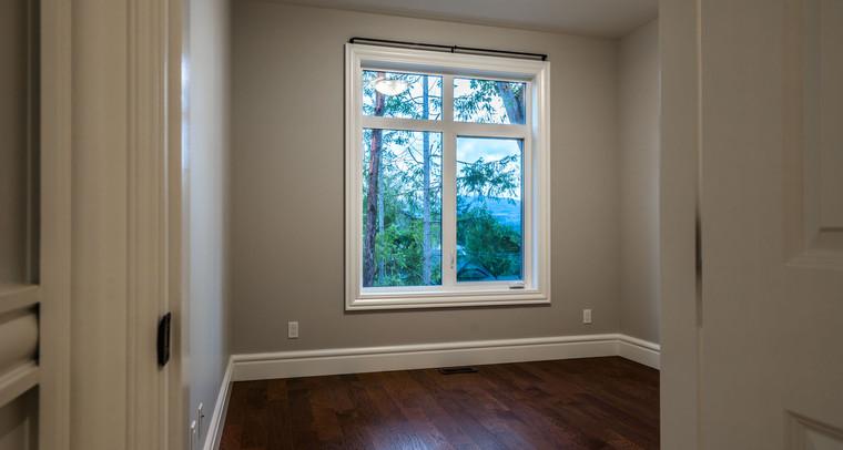 2847 Ashcraft Main House Upper Bedroom.j
