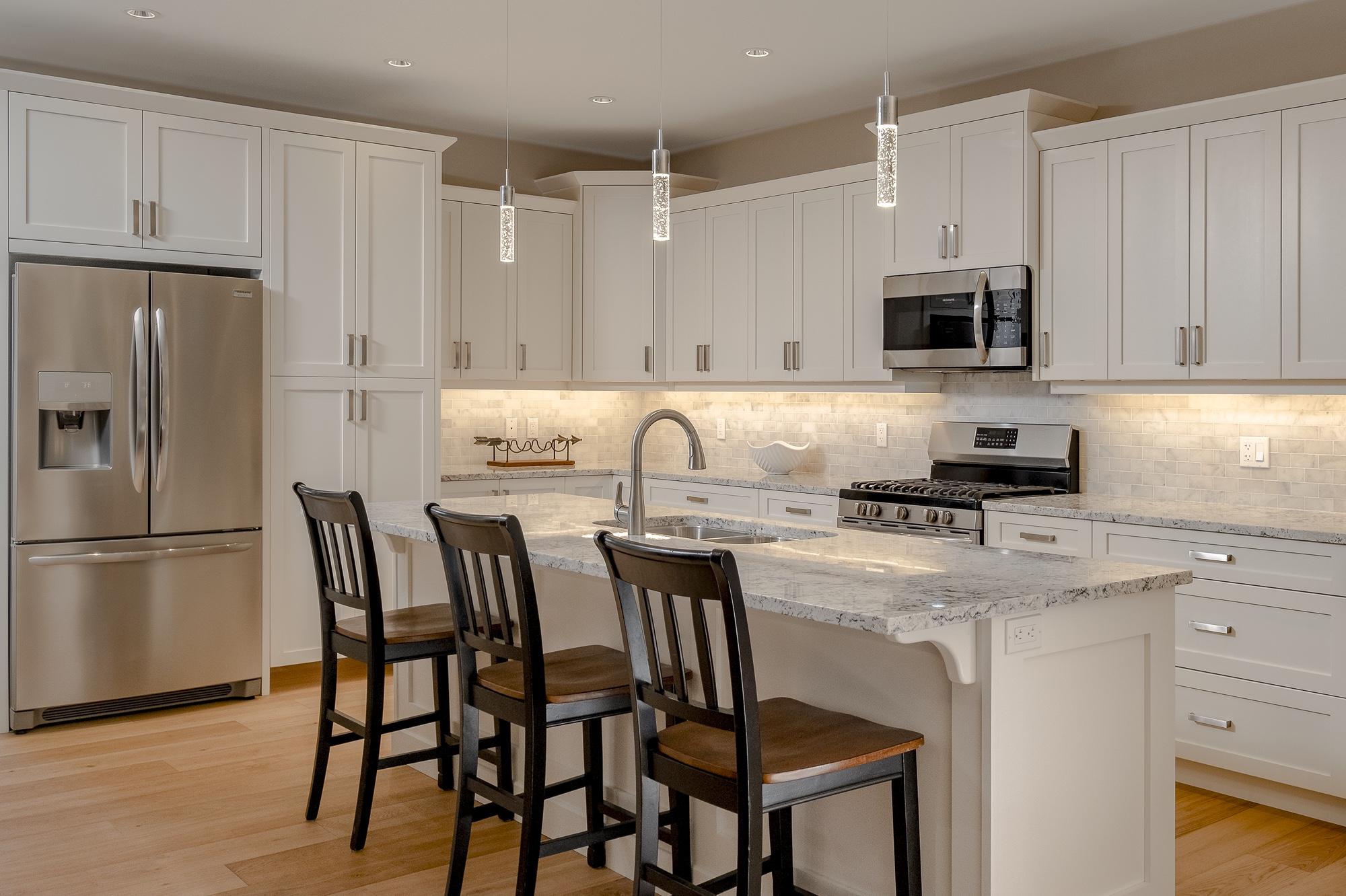 574 Avalon - Kitchen2
