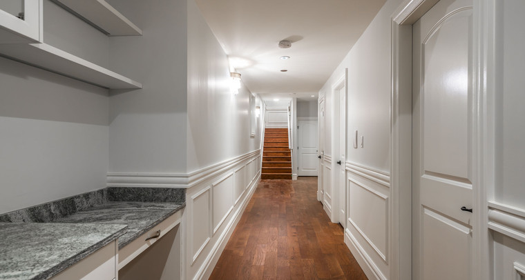 2847 Ashcraft Basement Hallway.jpg