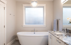 1085 Symons Cres - Bathroom1