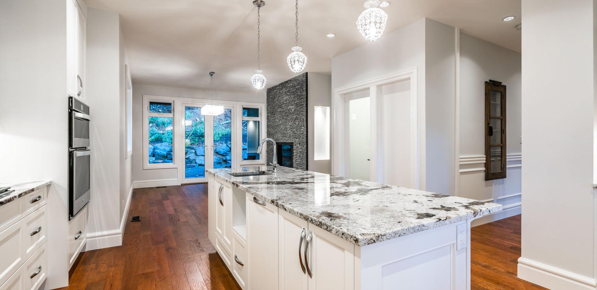 2847 Ashcraft Main Kitchen