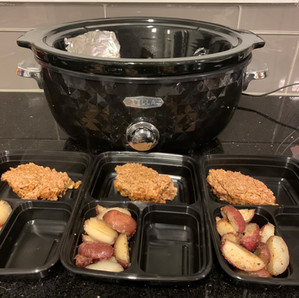 CROCK-POT MEATLOAF AND POTATOES