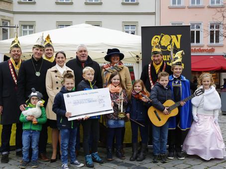 Spende über 1.111 Euro an die Grundschule Neuses