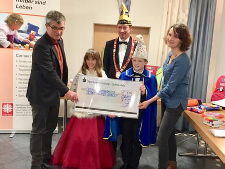 Spendenübergabe der Coburger Narrhalla an das Schulmateriallager des Caritasverbandes Coburg