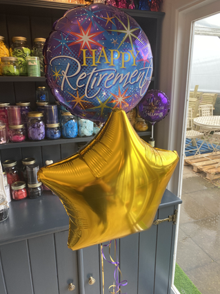 "18"" Themed Retirement Balloon with a gold plain star in a bouquet"