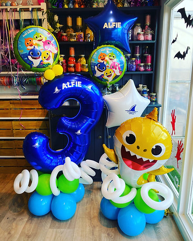 Baby Shark Balloon Display