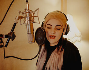 Vocal Lessons, singing lssons, chelmsford, katy jackso, vocal coach, songwriter, music lessons chelmsford, singing teacher essex