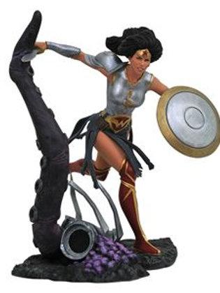 DC Comic Gallery Metal Wonder Woman PVC Diorama
