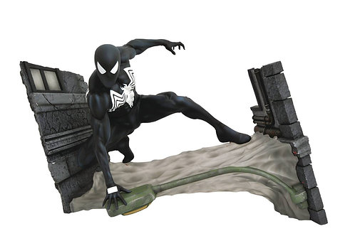 Marvel Comic Gallery Black Suit Spider-Man Webbing PVC Diorama