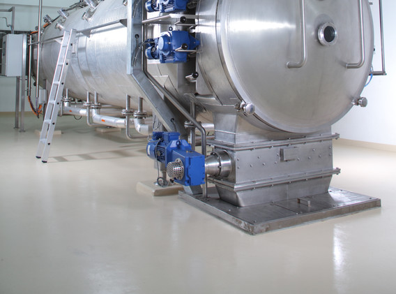 Modern machinery in a pharmaceutical pro