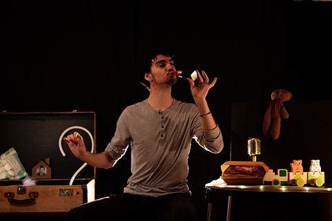 Eniah et la valise poétique