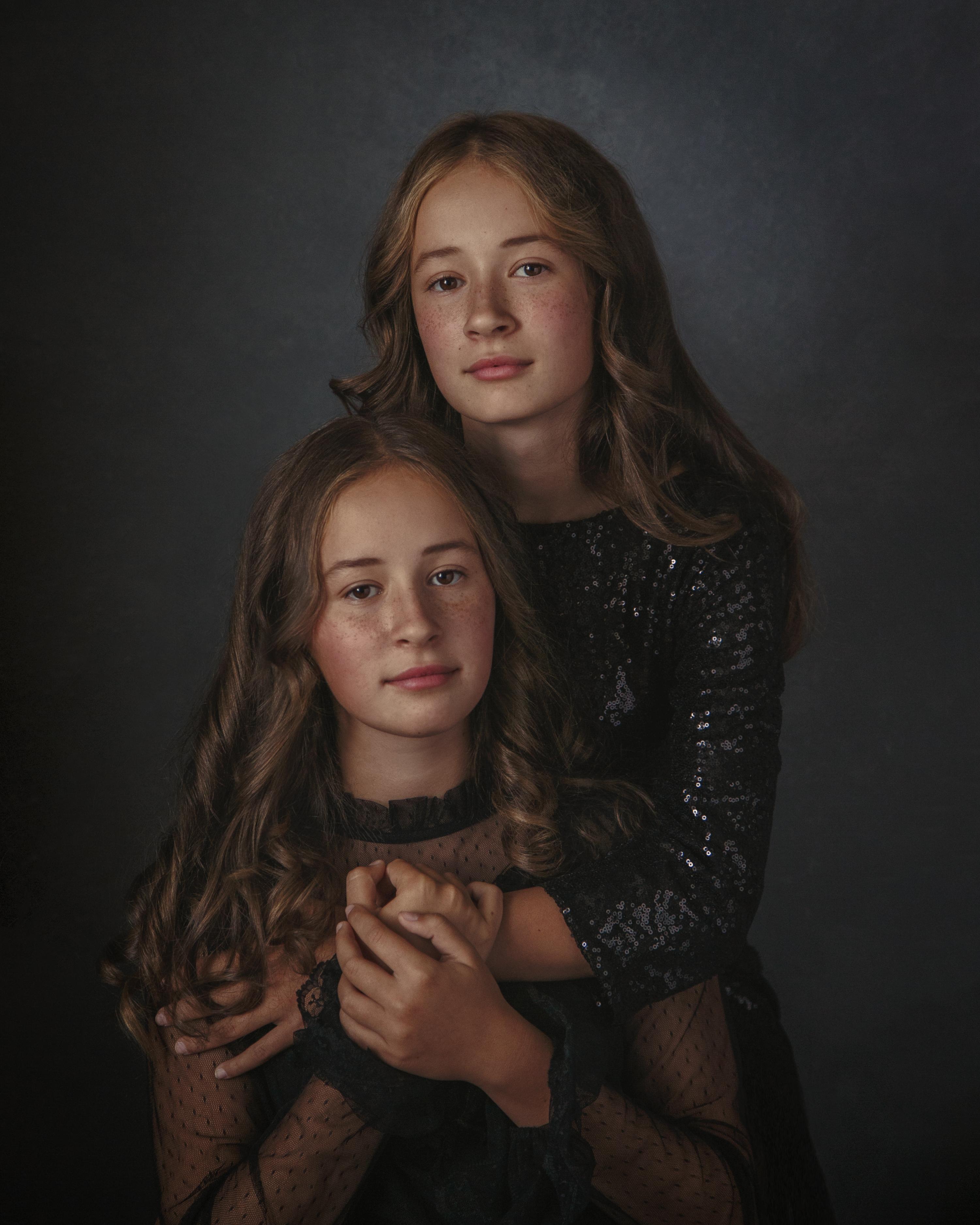 Оля и Юля