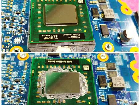 Чистка системы охлаждения ноутбука с заменой теплопроводящей пасты.
