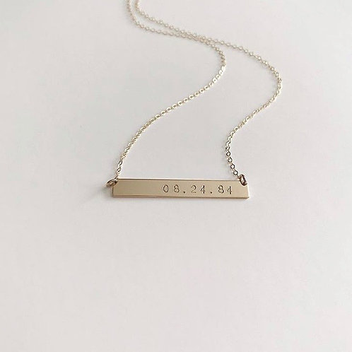 Bar necklace with date