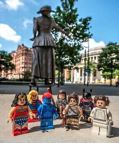 Rise up Women Emmeline Pankhurst Statue 1 - Manchester (Lego Minifigures)