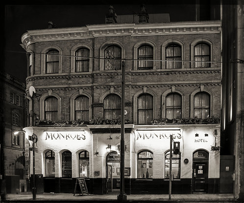 Monroes Pub (Manchester)