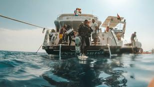 дахаб погружение с лодки.jpg