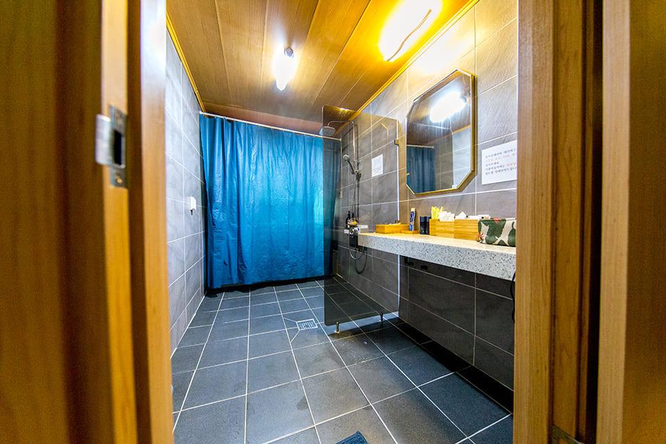 일산 정발산역 돈키호테라피 샤워실