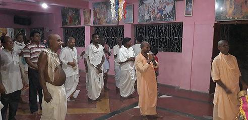 Khantapada devotees.jpg