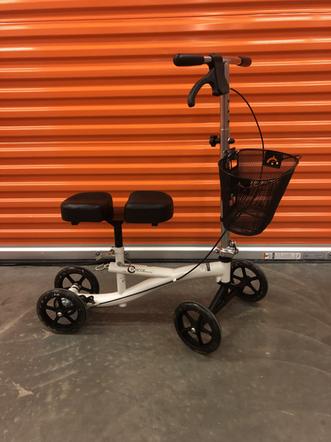 Rosco Knee Scooter.HEIC