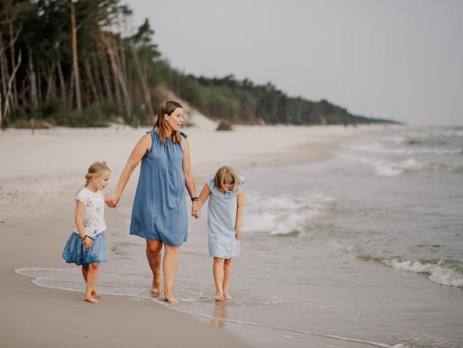 Sesja na plaży chwilę przed ulewą...