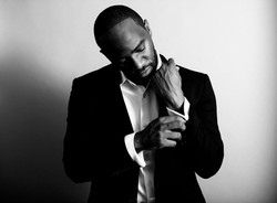 Julian Coles | Singer + Songwriter