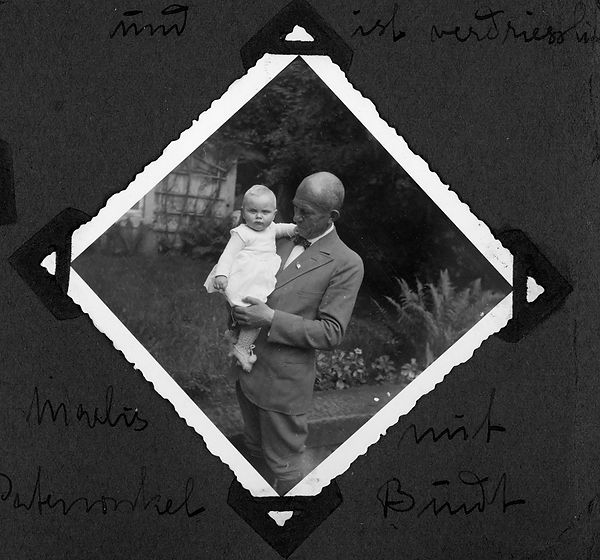 family story 4624german family album1.jp