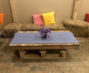 Alquiler mesa para fiesta campestre