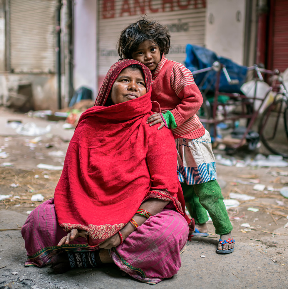 0352_Delhi Mom+YoungGirl_COL_22 x 17.jpg