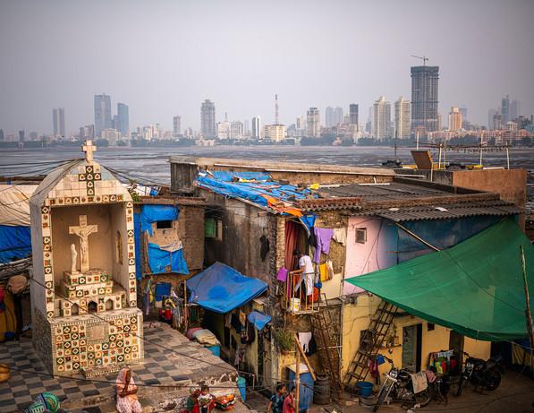 3867_Mumbai-Fishing-Village_COL_22-x-17.