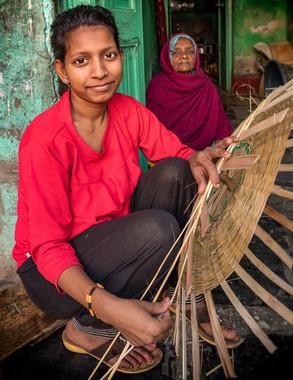 3091_Udaipur-Girl-Baskeweaver_COL_17-x-2