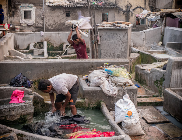 3342_Mumbai-Slums-Laundry_COL_22-x-17.jp