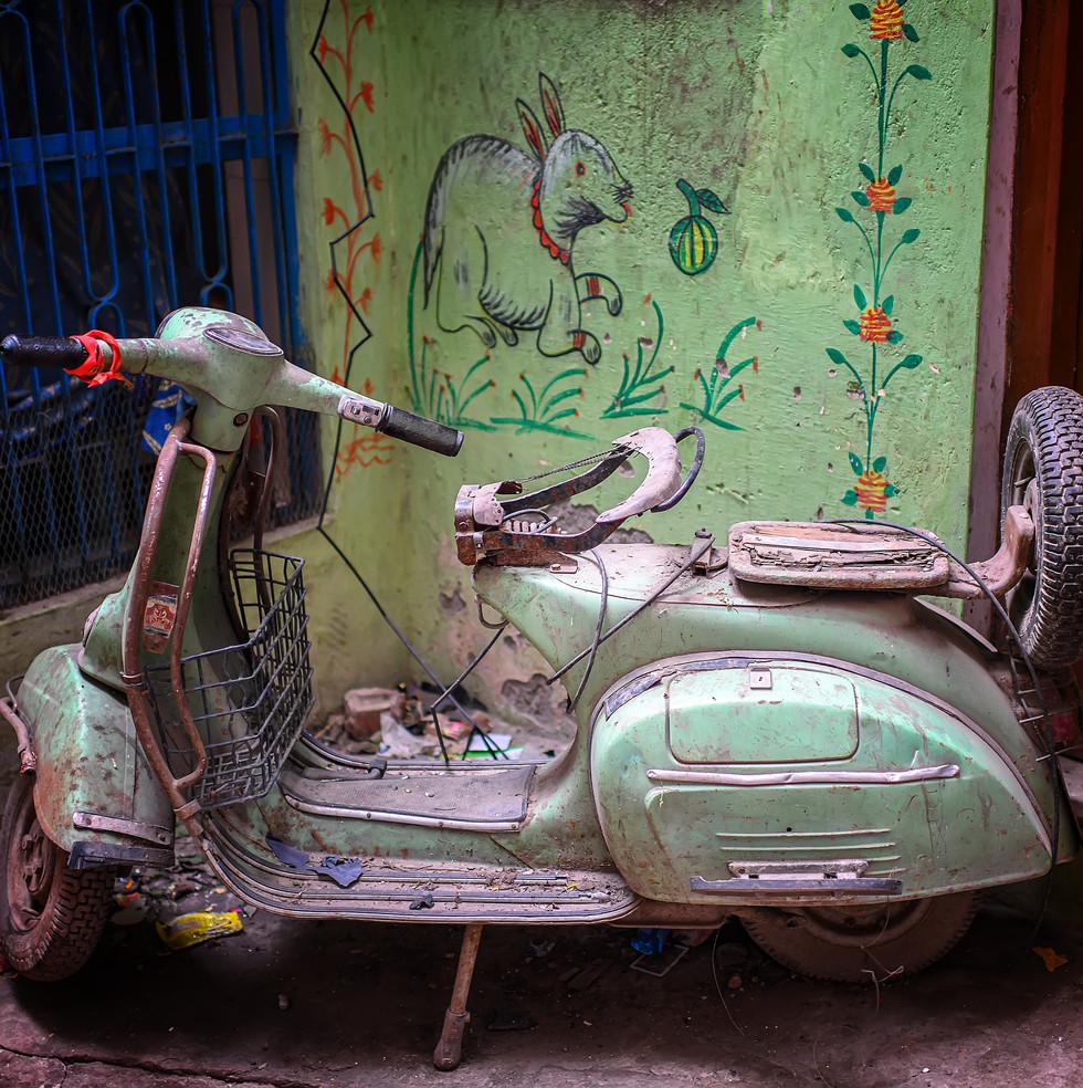 1177_Varanasi-Scooter_COL_22-x-17.jpg