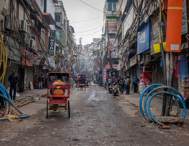 0534_Delhi Street Scene_COL_22 x 17.jpg