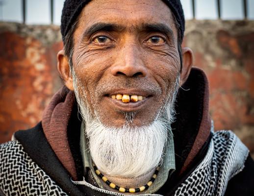 0618_Delhi Man Bad Teeth_COL_22 x 17.jpg