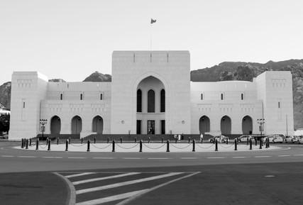 4420_Oman-building_b+w_RTP_22-x-17.jpg