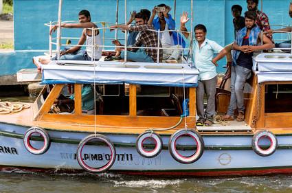 5604_Cochin-boat-men_RTP_22-x-17.jpg