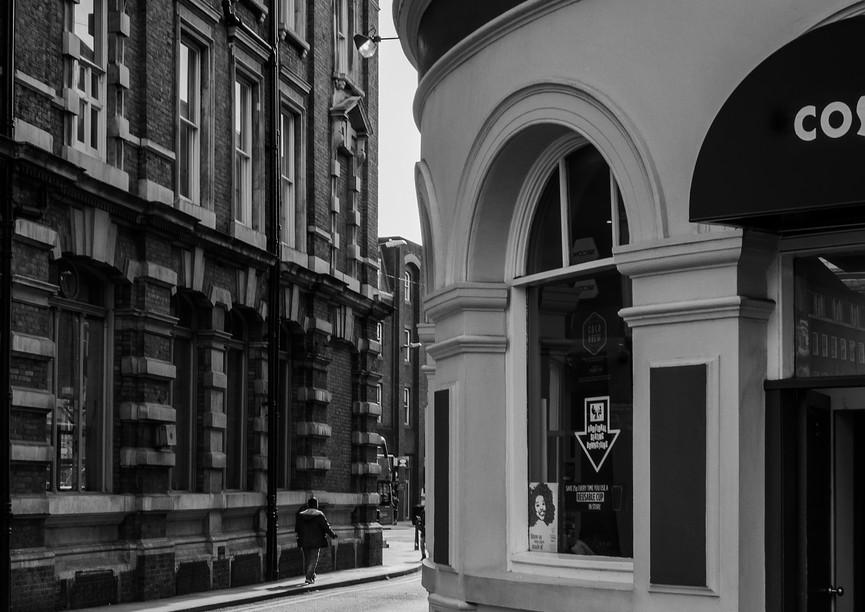 0005_London-alleyway_RTP_17-x-22.jpg