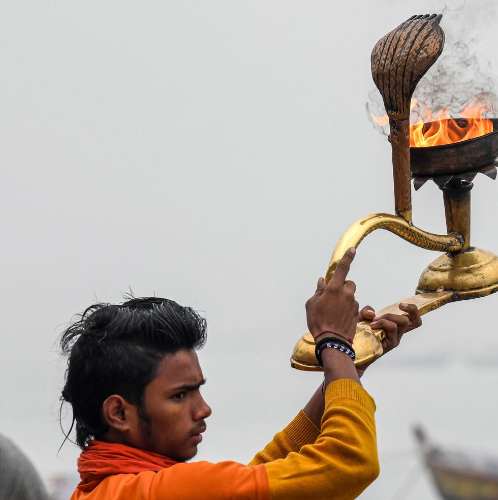 1142_Varanasi-Flame-Ganges_COL_22-x-17.j