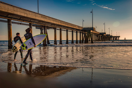 3641_Santa Monica Surfers_COL_22 x 17.jp