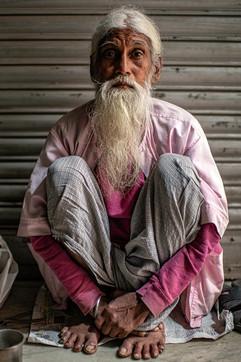 0302_Delhi Man Sitting_COL_17 x 22.jpg
