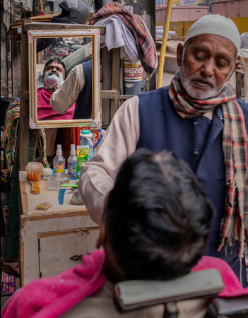 0529_Delhi Old City Shave (2)_COL_17 x 2