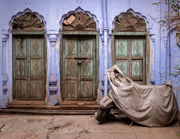 0551_Delhi Three Doors_COL_22 x 17.jpg